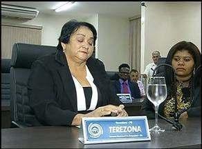 Justiça suspende cassação e vereadora de Araguaína é reconduzida ao cargo - Justiça suspende cassação e vereadora de Araguaína é reconduzida ao cargo