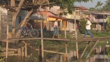 Ponte de madeira no bairro Perpétuo Socorro está com a estrutura comprometida - A ponte em madeira que dá acesso à feira do pescado do bairro Perpétuo Socorro está em com a estrutura comprometida pelo tempo e pela falta de manutenção. Quem passa pelo trecho corre risco de acidente