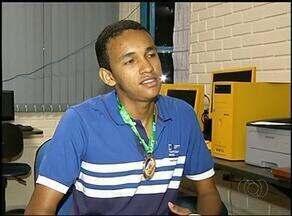 Aluno de escola púclica de Araguaína vence olimpíada estadual de química - Aluno de escola púclica de Araguaína vence olimpíada estadual de química