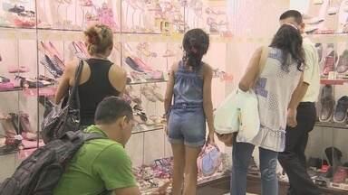 Lojas de Manaus estendem horários para compras de dezembro - Lojas ampliaram atendimento em até duas horas.