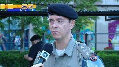 Capitão da Brigada Militar dá dicas para segurança nas compras de final de ano - É importante não levar muito dinheiro.