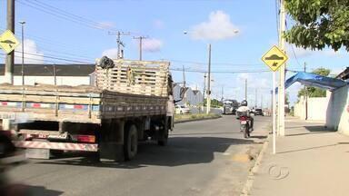 SMTT vai renovar pintura de sinalizações de Maceió - Faixas de pedestres, quebra-molas e demais sinalizações das avenidas da cidade terão pinturas renovadas.