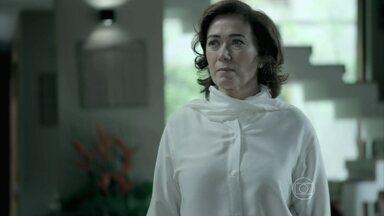 Marta tenta anular a doação que Zé fez para Cristina - Merival avisa que Maria Marta e seus filhos devem obedecer às determinações do Comendador para não se prejudicarem na partilha da joalheria Império