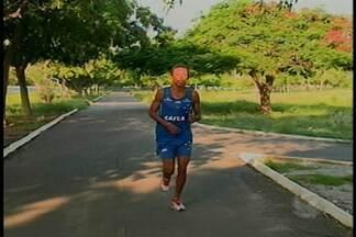 Atleta de Petrolina se prepara para a Corrida de São Silvestre - Justino Pedro está treinando forte. O ano passado ele ficou em décimo sexto lugar na competição
