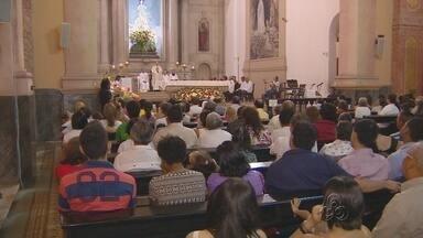 Missa do Galo reúne centenas de fiéis em Manaus - Celebração foi celebrada pelo arcebispo da capital, Dom Sérgio Castriani.