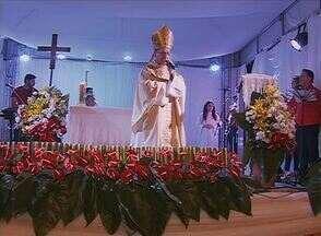 Dom Bernardino Marchió celebra Missa do Galo em Caruaru - Celebração ocorreu no Bairro Maria Goretti.