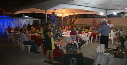 A tradição da ceia de Natal das famílias em João Pessoa - Na casa de Dona Francisca Melo parentes e amigos se reúnem todos os anos numa grande festa.