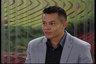 Economista dá dicas para organizar as finanças em 2015 - Economista Fábio Machado da Silva fala das prioridades na hora de organizar as contas do próximo ano.