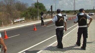 Número de acidentes nas BR's aumentou em relação ao ano passado. - Sessenta e sete acidentes com cinco mortes e 45 feridos foram registrados pela Polícia Rodoviária Federal (PRF) nas estradas federais que cruzam o Ceará.
