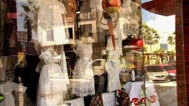 Lojas investem no branco para aumentar as vendas neste fim de ano - De acordo com lojistas as vendas devem superar a do ano passado.