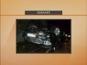Um acidente nesta madrugada em Sarandi deixou quatro pessoas feridas - Duas pessoas foram transferidas para o Hospital São Vicente de Paulo