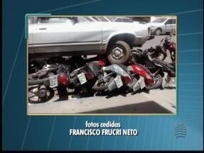 Homem colide em motos estacionadas no Centro de Dracena - De acordo com a Polícia Militar, 12 motos foram atingidas.