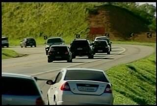 Motoristas cometem imprudências no trânsito em viagens de fim de ano - Irresponsabilidade pode causar acidentes.