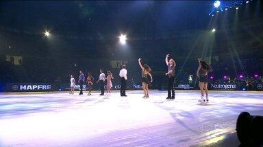 Atletas de nove países participam da Patinação das Estrelas - Equipe Américas e campeã do evento.