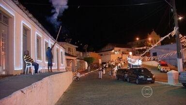 Católicos de Ipojuca fazem festa para louvar o Santo Cristo - A comemoração religiosa na cidade é uma tradição de mais de 350 anos.