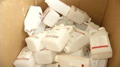 Cresce número de embalagens de agrotóxicos recolhidas em Paty do Alferes, RJ - Posto de recolhimento foi criado há 12 anos, após uma lei federal; biólogo explica importância do descarte correto do material.