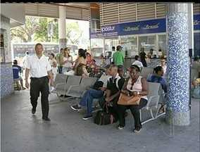 Número de lotadas clandestinas aumenta em Campos, RJ - Número de lotadas clandestinas aumenta em Campos, RJ