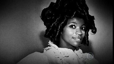 """Musas foram fontes de inspiração de clássicos da MPB - """"Tigresa"""" foi inspirada em Zezé Motta; """"Trem das Cores"""" em Sonia Braga. Essas canções de Caetano são alguns exemplos de musas que inspiraram grandes canções. Veja mais na coluna do Nelson Motta."""