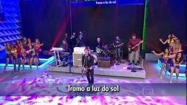 Skank relembra o sucesso 'Pacato cidadão' - Público se diverte com música