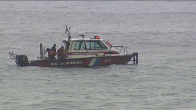 Dois adolescentes estão desaparecidos no mar do Rio de Janeiro - Os primos Rayssa Rodrigues, de 16 anos, e Gabriel Farias, de 15, estão sumidos desde domingo (4), quando foram pela primeira vez à praia de São Conrado.