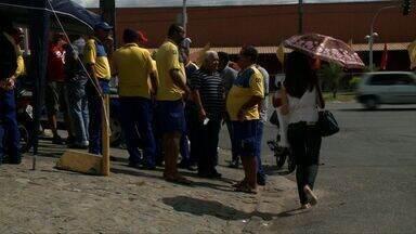 Funcionários dos Correios encerram paralisação - Segundo o sindicato da categoria, a greve terminou após pagamento do plano de saúde. Eles estavam parados desde ontem.