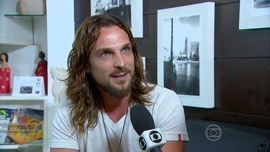 Chega ao Recife o ator que vai fazer o papel de Jesus na Paixão de Cristo - Igor Rickli já viajou para Nova Jerusalém.
