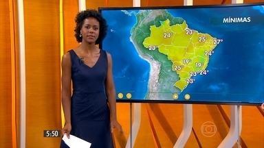 Confira como fica o tempo nesta segunda-feira (12) em todo o país - Durante a tarde, a máxima chega aos 32 graus em Belém e Campo Grande, 33 em Florianópolis, em São Paulo e Goiânia. Os termômetros marcam 34 graus em Teresina e no Rio de Janeiro faz calor de 40 graus.