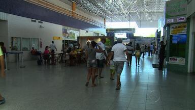 Aeroporto de Aracaju não tem posto de juizado da infância e juventude - Passageiros reclamam da falta de posto de atendimento ao menor no aeroporto de Aracaju e unidade não tem controle de desembarques.