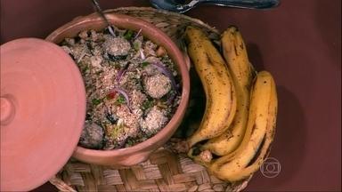 Banana é indicada para aliviar efeitos da TPM - A banana é rica em triptofano e em fibras. Uma dica é comê-la em forma de farofa ou usá-la como máscara. A folha do chuchu é recomendada para diminuir a pressão arterial.