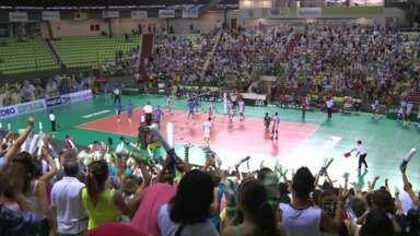 Vôlei Maringá vence em casa e anima torcedor - E o Futebol Maringá também fechou placar com vitória.