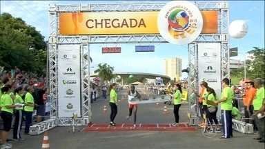 Mais de 15 mil pessoas tentam, mas atletas africanos vencem Corrida de Reis - Tricolor tem o melhor ataque da competição e sofreu apenas um gol, de pênalti marcado irregularmente.