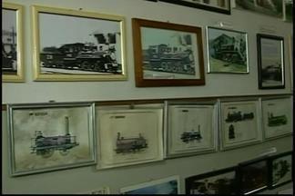 Museu de Ibiá conta parte da história de ferrovia na região - Por meio de objetos antigos e réplicas, visitantes fazem viagem no tempo.Local foi criado por ex-ferroviário da cidade.
