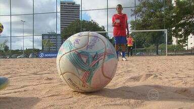 Copa Tareco reune garotos com nomes de craques do futebol - Rivaldo, Ronaldo, David Beckham, Dasaev Vandersar são alguns das estrelas mirins que mostram seu talento nos campos do Recife