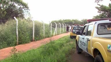 Ladrões trocam tiros com a polícia durante uma tentativa de fuga - Eles roubaram uma caminhonete na Zona 5 em Maringá
