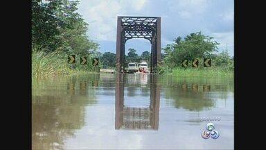 Moradores temem nova cheia com a subida do nível do Rio Araras - Região foi bastante castigada no ano passado.