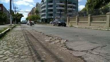 O asfaltamento vias que deveria ter começado hoje sofreu atraso - O motivo foi o atraso na chegada das máquinas