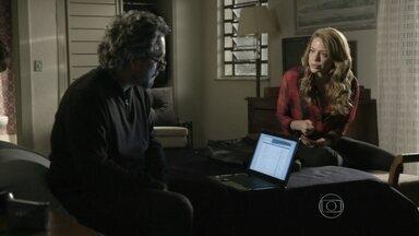 Zé manda Cristina ir até a Suiça - Comendador explica que não pode sair do país e pede para filha descobrir toda verdade sobre o desaparecimento de seu dinheiro