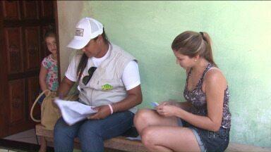 Pessoas que já morreram 'recebem' Bolsa Família no norte do Paraná - Censo do programa, realizado em Jacarezinho, mostrou ainda que funcionários públicos recebem o benefício sem ter direito.