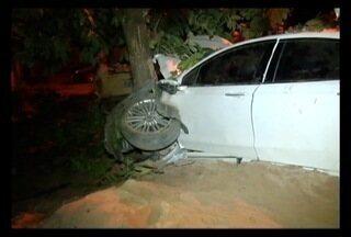 Seis morrem e seis ficam feridos em atropelamento em Belo Oriente - Motorista perdeu o controle do carro, atropelou, e fugiu sem prestar socorro.