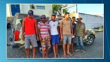 """Operação prende quadrilha suspeita de roubo de animais de raça em Alagoas - Ação, denominada """"Chupa Cabra"""" aconteceu em Santana do Ipanema.Segundo a polícia, animais roubados eram usados em exposições."""