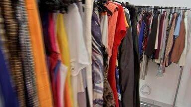 Brechós se popularizam em Cuiabá - Alternativa para vestir bem sem gastar muito, os brechós têm se popularizado em Cuiabá.