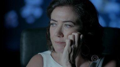 Maria Marta pensa em sua conversa com Cora - Ela decide ir até Santa Tereza para analisar melhor o caso