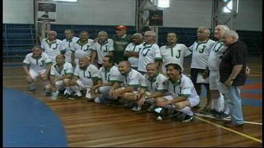 Heróis do campeonato estadual de Futsal de 1965 se reencontram em Uruguaiana, RS - Jogadores deram início à paixão dos uruguaianenses pelo Futsal.
