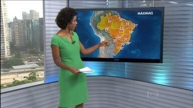 Previsão é de mais sol e calor no Rio de Janeiro - Já não chove há 14 dias no Rio de Janeiro e só tem chance de chuva na próxima quinta-feira (22). Os meteorologistas preveem chuva forte, com raiose trovões, entre o noroeste do Rio Grande do Sul e o oeste de Mato Grosso do Sul.