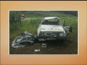Acidente deixa um morto e um ferido na ERS 324 em Marau,RS - O condutor perdeu o controle do veículo e capotou várias vezes