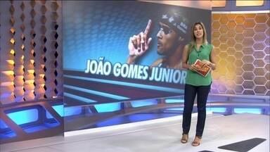 Nadador João Gomes Júnior é flagrado no exame antidoping durante Mundial de Doha - Brasileiro participou de eliminatórias de três provas de revezamento em que Brasil faturou o ouro. Equipe pode cair para quinto lugar, após caso.