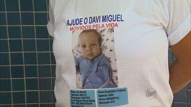 Família de bebê luta para conseguir tratamento para doença rara - Davi Migue sofre de um mal que o impede de absorver nutrientes.
