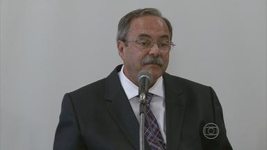 Secretaria de Justiça confirma terceira morte em rebelião de presos no Recife - Vítima foi presidiário de 52 anos. Ele foi decapitado no pátio do Complexo do Curado