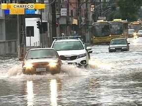 Temporal atinge novamente Joinville e causa estragos - Temporal atinge novamente Joinville e causa estragos