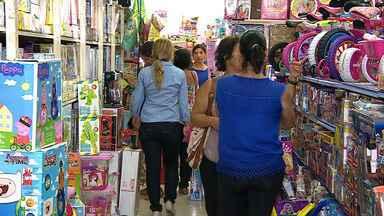 Vendas do fim de estoque não alcançaram expectativas de comerciantes em Aracaju - Vendas do fim de estoque não alcançaram expectativas de comerciantes em Aracaju.
